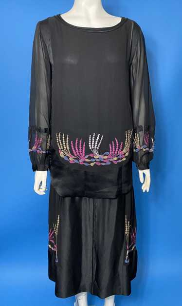 1920s embroidered dress in silk and chiffon