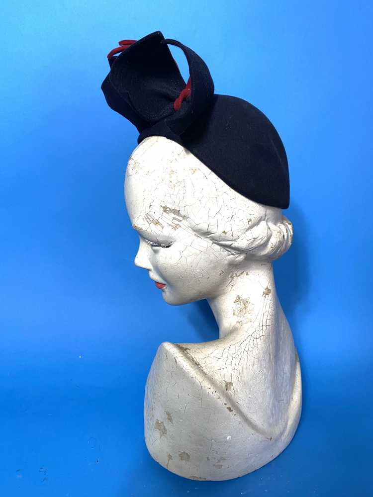 1940s skull cap with sculpted bows - image 5