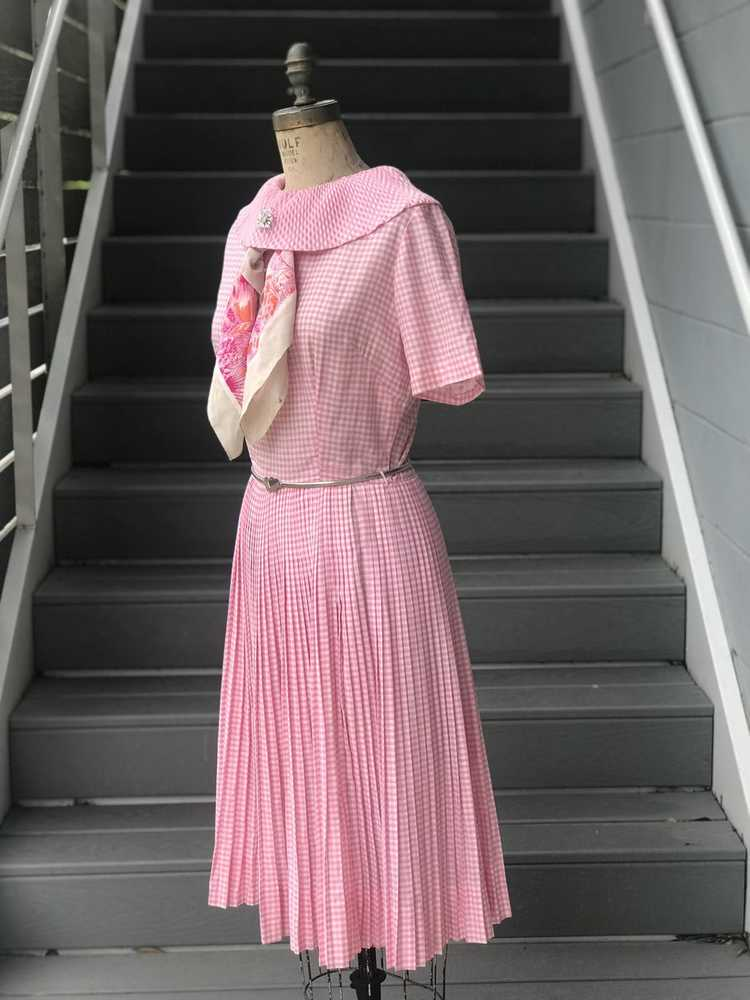 1960s Pink Pleated Collar Gingham Day Dress - image 7