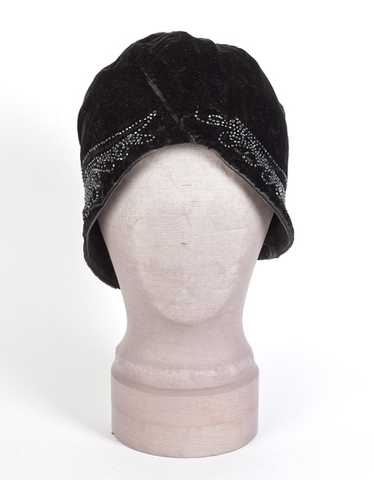 Beaded velvet flapper cloche, late 1920s