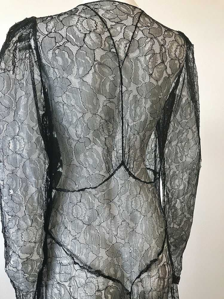 1930's Black Lace Gown with 3 Dimensional Velvet … - image 7