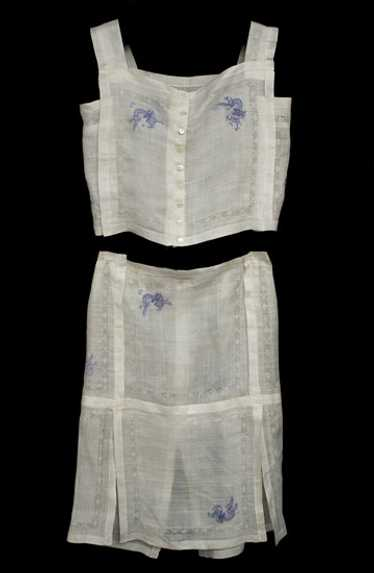 Two-piece embroidered linen dress, 1920s fabric