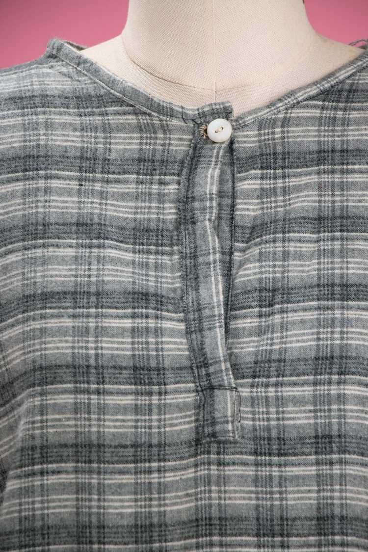 Antique / Early Vintage 1910's - 20's Grey Flanne… - image 2
