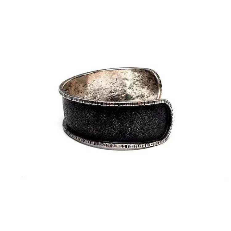Davide Bigazzi Oxidized Sterling Silver Chased Cu… - image 6