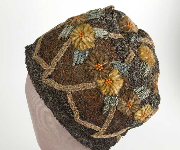 Embroidered metallic lace skull cap, 1920s - image 3