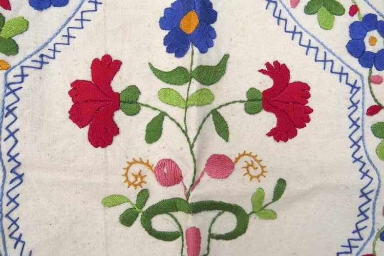 Vintage Hand Embroidered Small Apron Hungarian Fo… - image 2