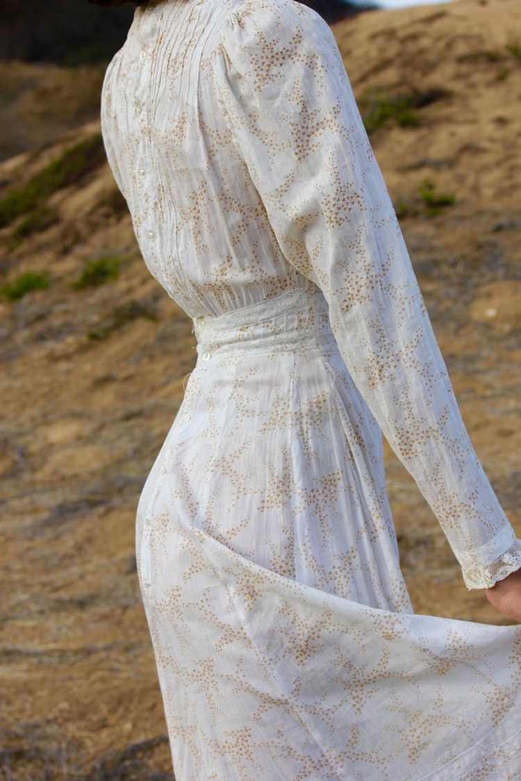 Antique Victorian Calico Lawn Dress - image 7