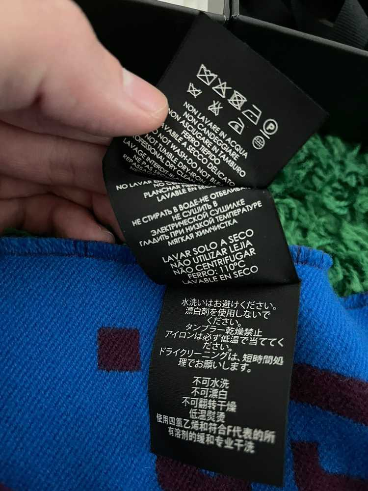 Gucci Gucci GG jacquard wool silk scarf - image 5