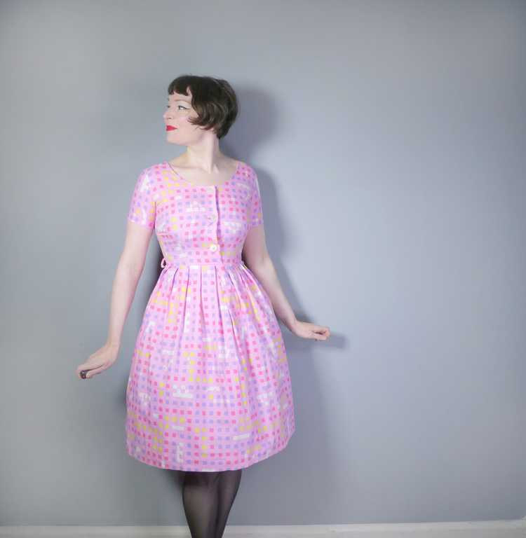 """50s 60s """"BANNER"""" PINK COTTON DAY DRESS WITH PASTE… - image 4"""