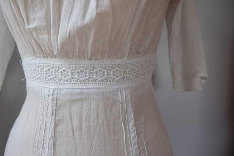 Edwardian Embroidered Batiste Cotton Lawn Dress - image 10