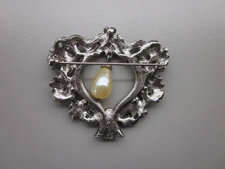 Romantic Vintage Ornate Heart Brooch With Faux Pe… - image 2