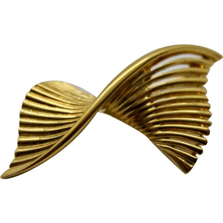 Nina Ricci Signed LOGO Butterfly brooch with drop hearty and Star Vintage signed New carded
