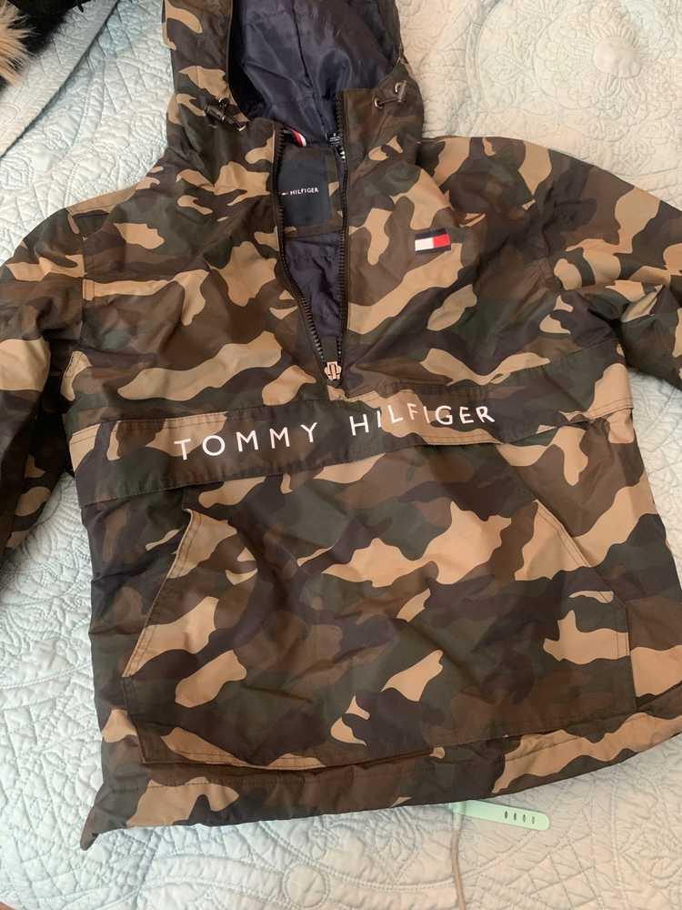 Tommy Hilfiger × Vintage Tommy Hilfiger Camo Half… - image 1