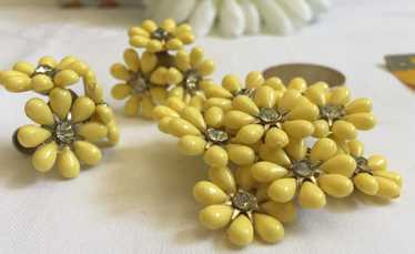 1950's, Butter Yellow Brooch and Earrings - Rare F
