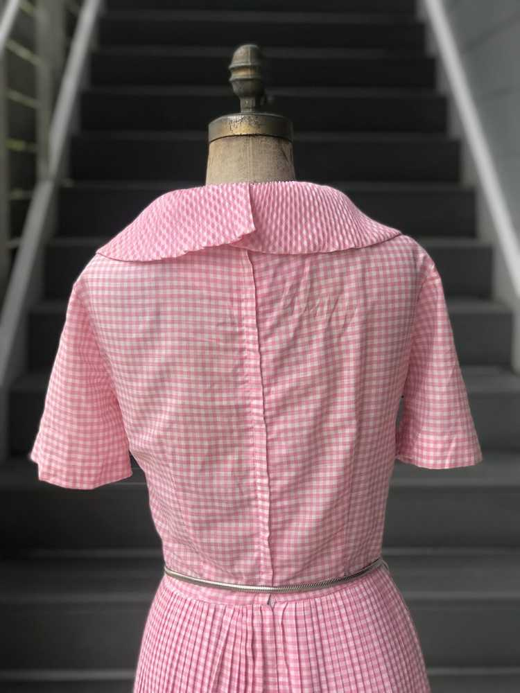 1960s Pink Pleated Collar Gingham Day Dress - image 9