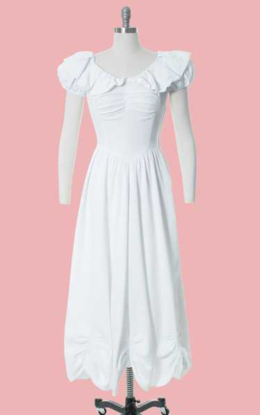 1930s 1940s White Cotton Piqué Puff Sleeve Gown |
