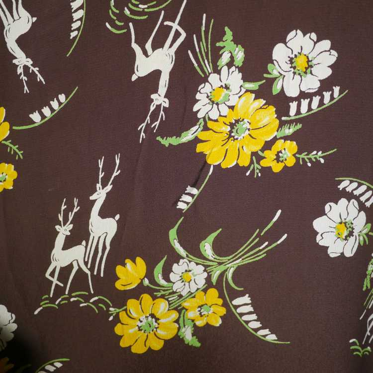 40s NOVELTY DEER AND FLOWER PRINT BROWN RAYON DRE… - image 5
