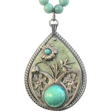 Art Nouveau Floral Pendant Necklace