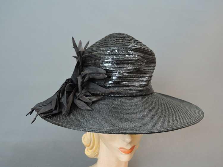 Vintage Wide Brim Hat, 1940s Straw & Shiny Vinyl,… - image 3