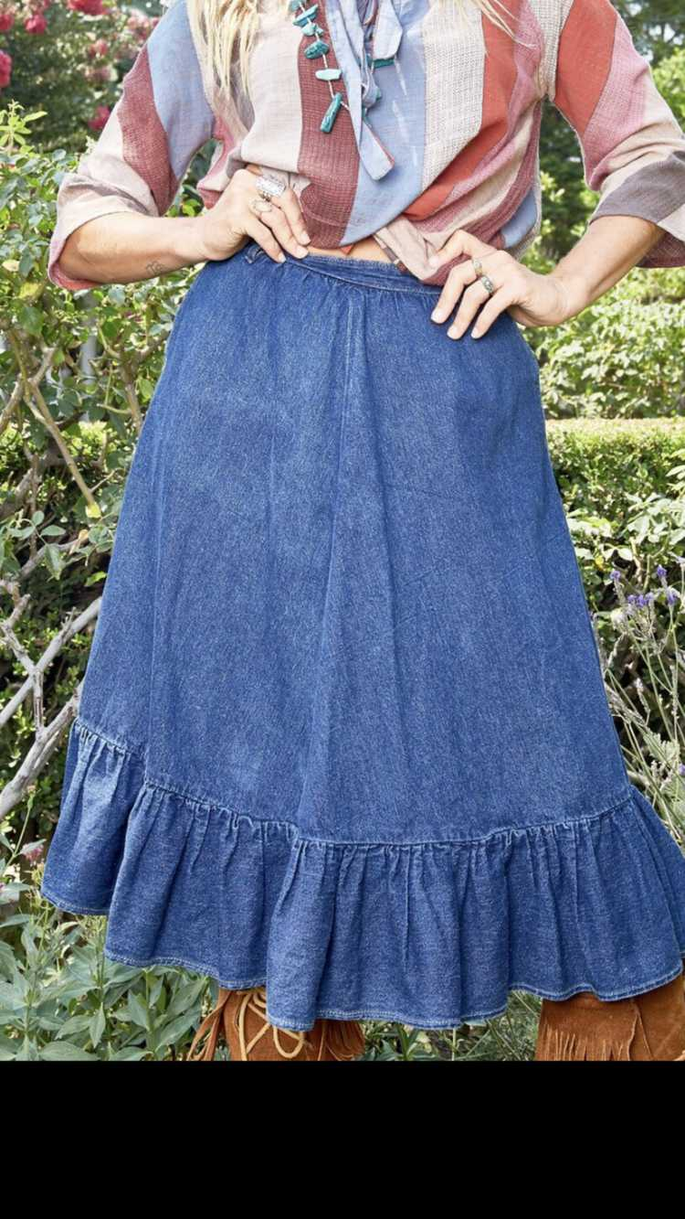 Vintage N'est-ce Pas? Denim Skirt with Ruffle - image 2