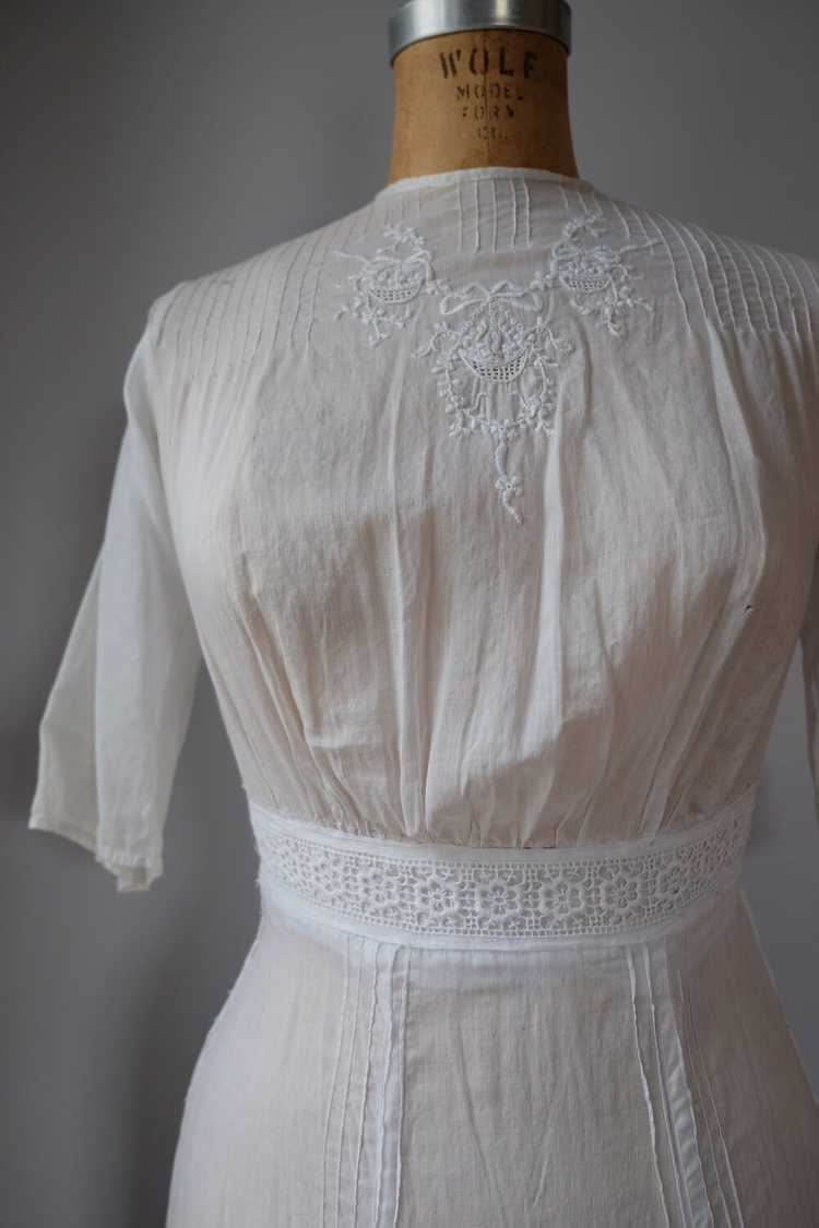 Edwardian Embroidered Batiste Cotton Lawn Dress - image 4