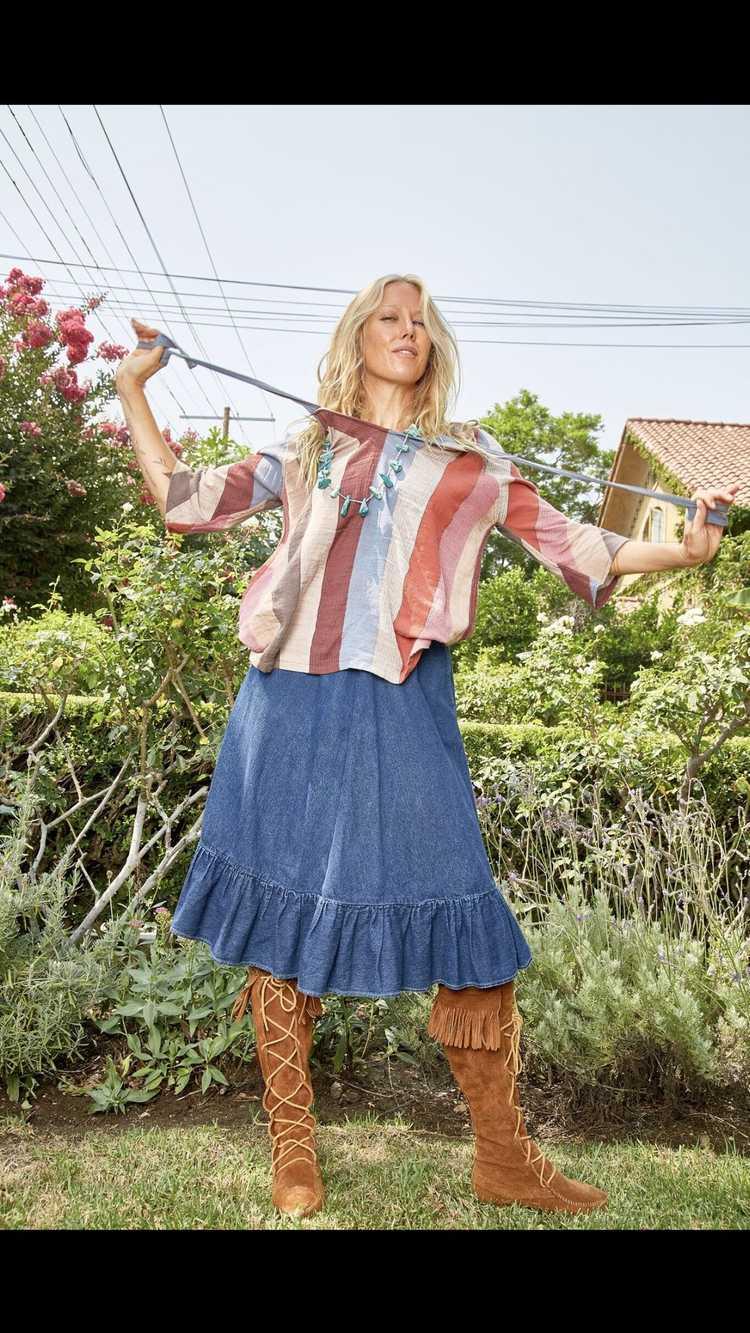 Vintage N'est-ce Pas? Denim Skirt with Ruffle - image 4