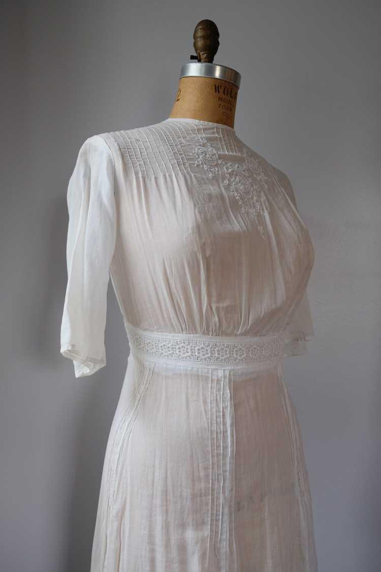 Edwardian Embroidered Batiste Cotton Lawn Dress - image 6