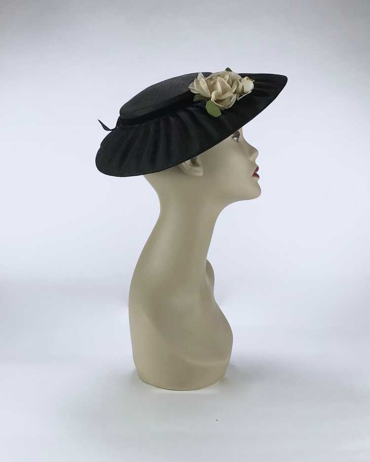 1940s/50s Black Platter Hat with Flowers - image 2