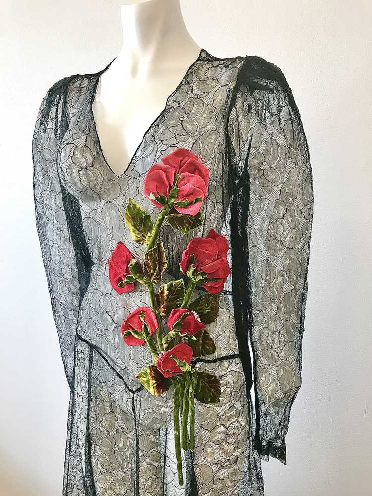 1930's Black Lace Gown with 3 Dimensional Velvet … - image 4