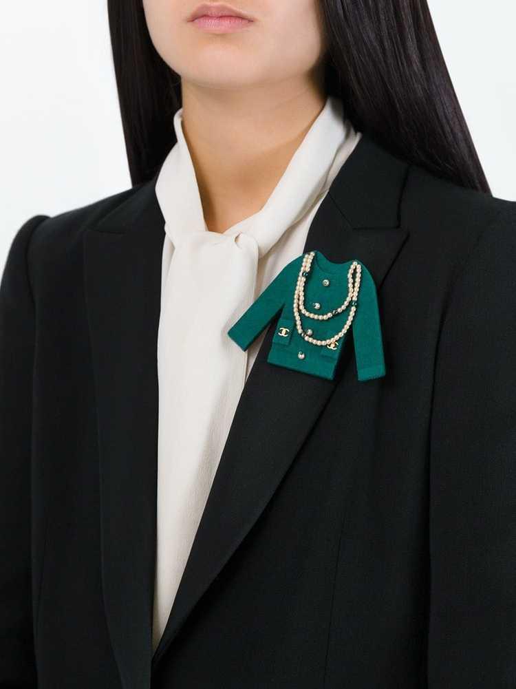 Chanel Pre-Owned 1990's embellished felt jacket b… - image 2