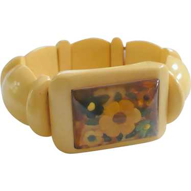 Cream Bakelite Stretch Bracelet