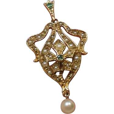 9 Kt Gold Cultured Pearl Lavalier Pendant