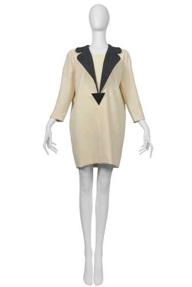 PIERRE CARDIN IVORY & BLACK TRIANGLE BROOCH DRESS
