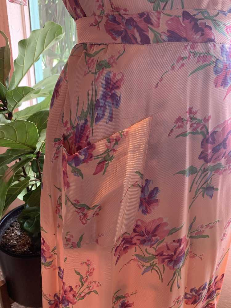 1940's Floral Pink Robe - image 4