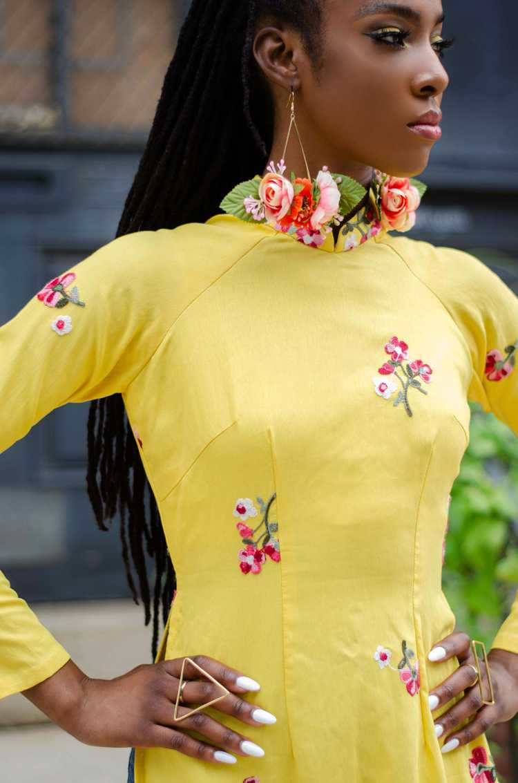 Vintage Banana Yellow Floral Embroidered Qipao - image 3