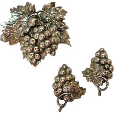 Napier Grape Leaf Brooch & Earrings