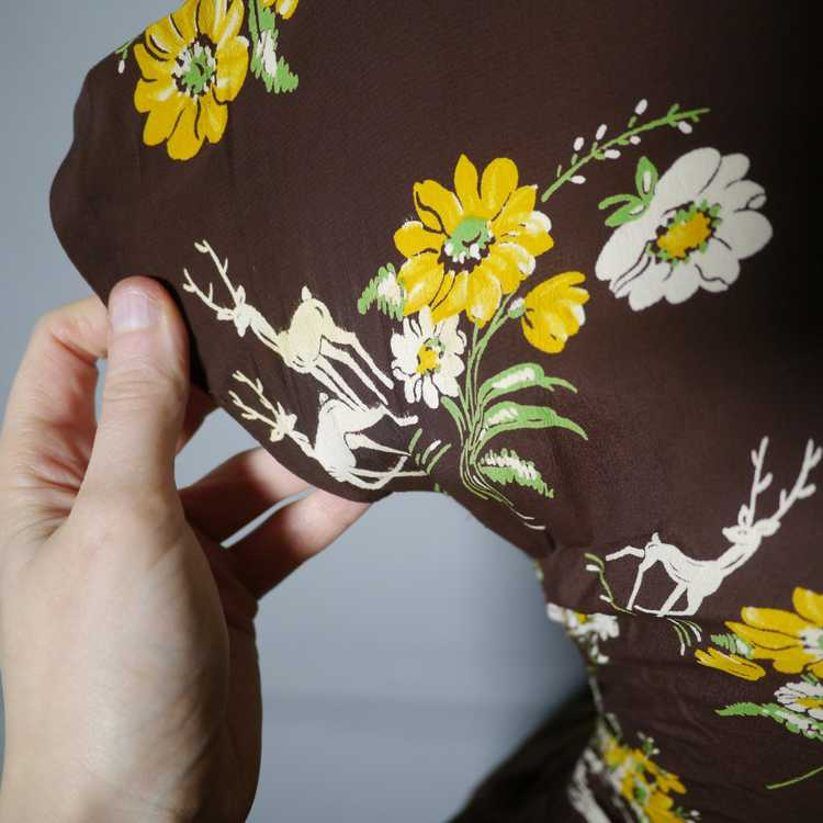 40s NOVELTY DEER AND FLOWER PRINT BROWN RAYON DRE… - image 12
