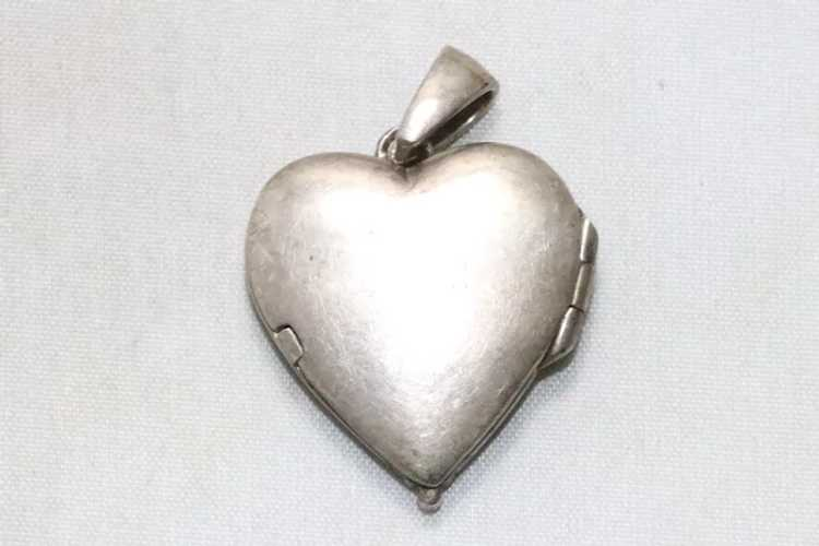 Vintage Sterling Silver Mother of Pearl Heart Loc… - image 4