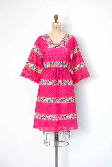 1970s Embroidered Cotton Crochet Dress | S