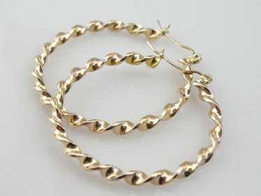 Fabulous Twist Vintage Yellow Gold Hoop Earrings
