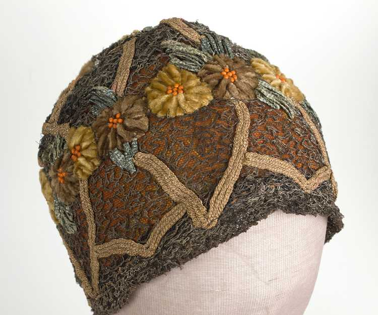 Embroidered metallic lace skull cap, 1920s - image 2