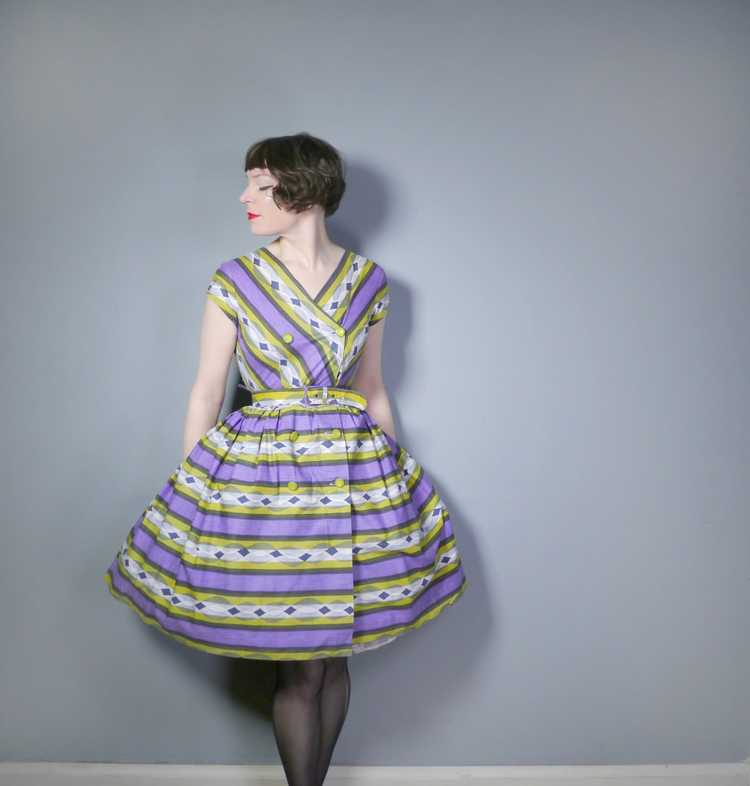 50s MID CENTURY PRINT PURPLE AND LIME STRIPED DOU… - image 4