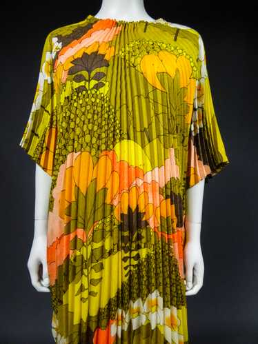 A Georgie Keyloun Beach Dress in Pleated Printed P