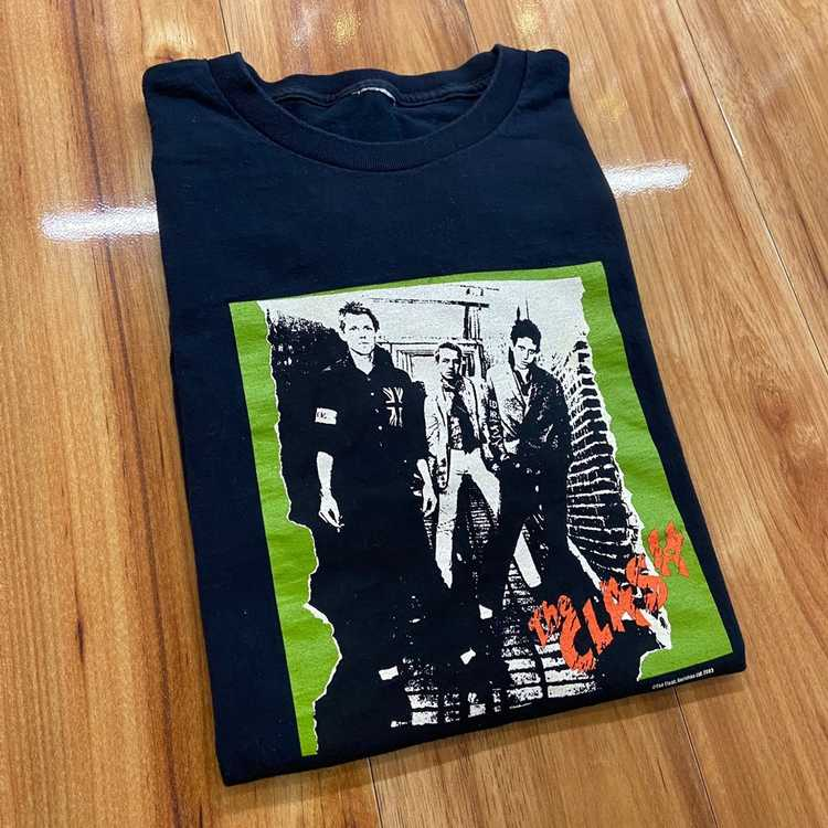 Band Tees × Vintage 2003 The Clash Group Photo Ba… - image 1