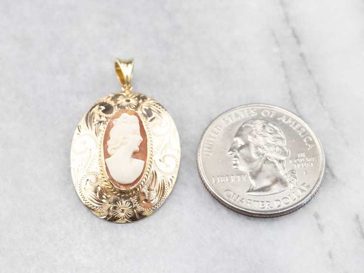Gold Mid Century Cameo Pendant - image 7