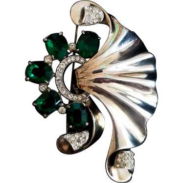 Sterling Silver Green Stone Retro Flutter Brooch