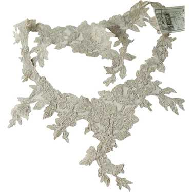 ANTIQUE French Lace Ladies Collar Intricate Floral