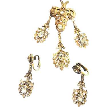 Exquisite vICTORIAN Drippy Brooch and Chandelier E