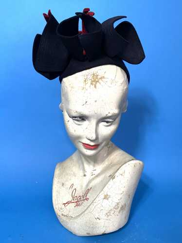 1940s skull cap with sculpted bows - image 1