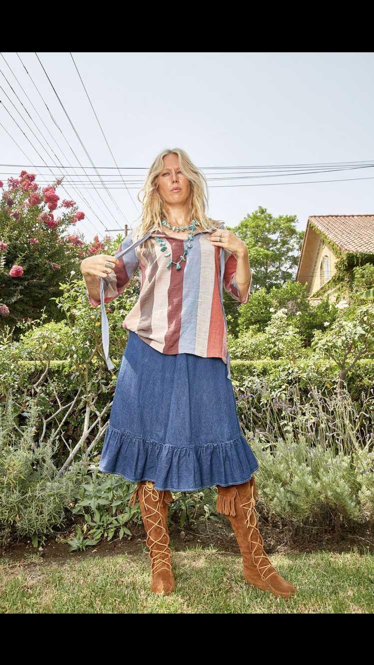 Vintage N'est-ce Pas? Denim Skirt with Ruffle - image 3